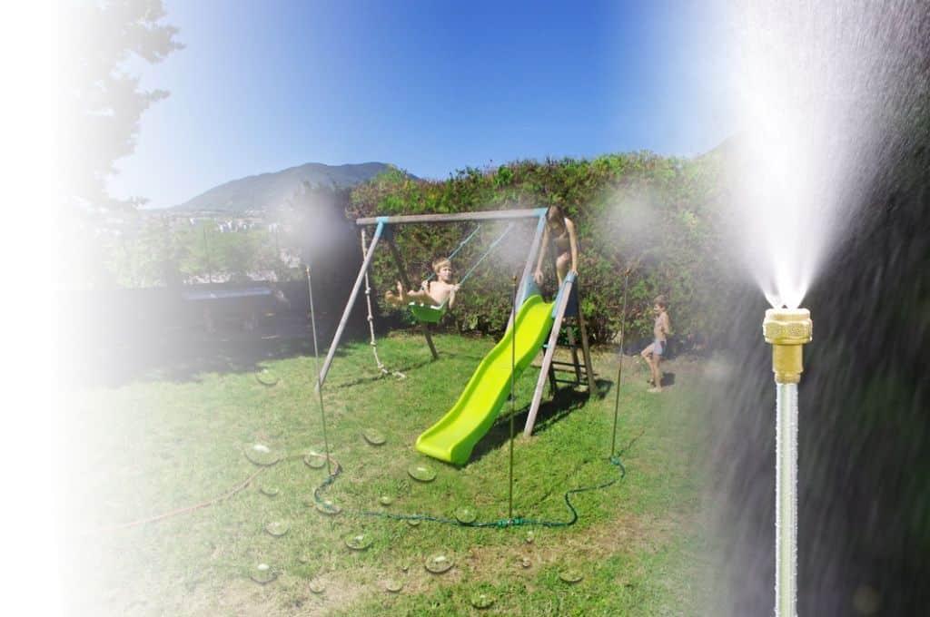 Trio de brumisation sur l'air de jeux avec enfant